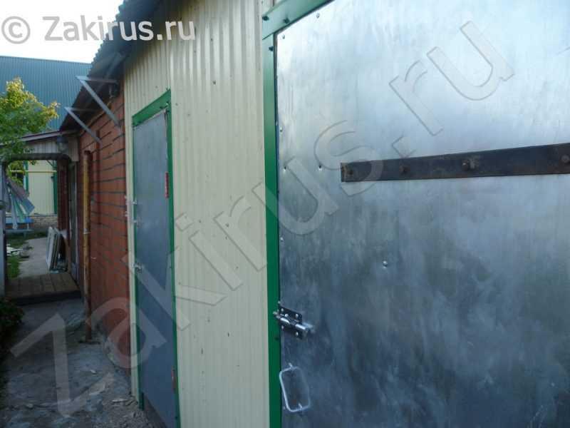 11-обшиваем-двери-металлическими-листами